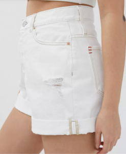 Outfits that you can wear past labor day; white mini shorts